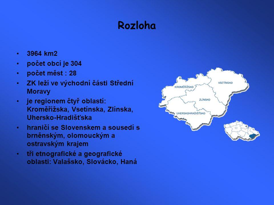 Povrch podstatná část území je kopcovitá či hornatá ZK je geograficky velmi zajímavý východní hranici tvoří Bílé Karpaty, na ně navazují Javorníky a posléze Moravskoslezské Beskydy, na jihozápadě se zvedají Chřiby (Brdo-587m) mezi Chřiby a zmíněnými pahorkatinami probíhá ze západu Hornomoravský úval a kolem řeky Moravy Dolnomoravský úval na západě a jihozápadě má kraj úrodné nížiny: Haná (Kroměřížsko) a Slovácko (Uherskohradišťsko) severu dominuje Hostýnsko-Vsetínská hornatina nevyšší bod: Radhošť (1129 m.