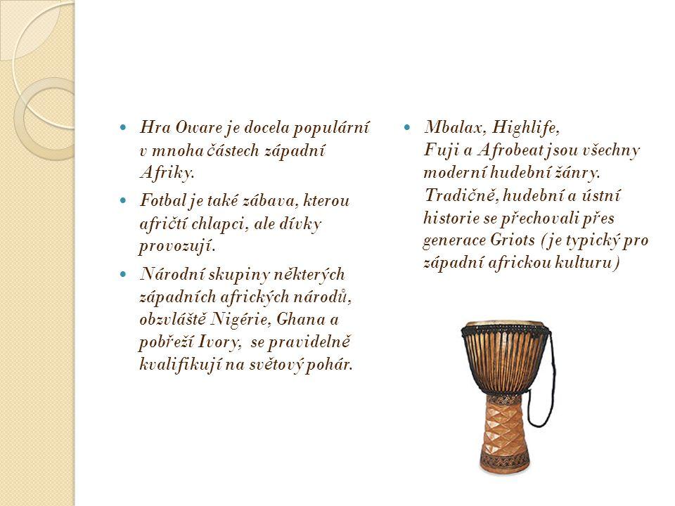 Typický formální od ě v nošený v této oblasti je proud ě ní Boubou (také známý jako Agbada a Babariga ), který má jeho p ů vody v oble č ení šlechty r ů zných západních afrických ř íší v 12.