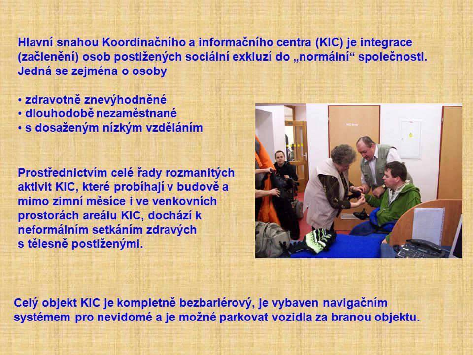 """Hlavní snahou Koordinačního a informačního centra (KIC) je integrace (začlenění) osob postižených sociální exkluzí do """"normální"""" společnosti. Jedná se"""