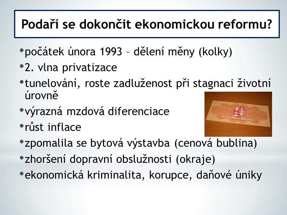 1993 – 1997 – 2 kabinety Václava Klause v čele Senátu Petr Pithart (Senát –nízký kredit u voličů) Domácí politika