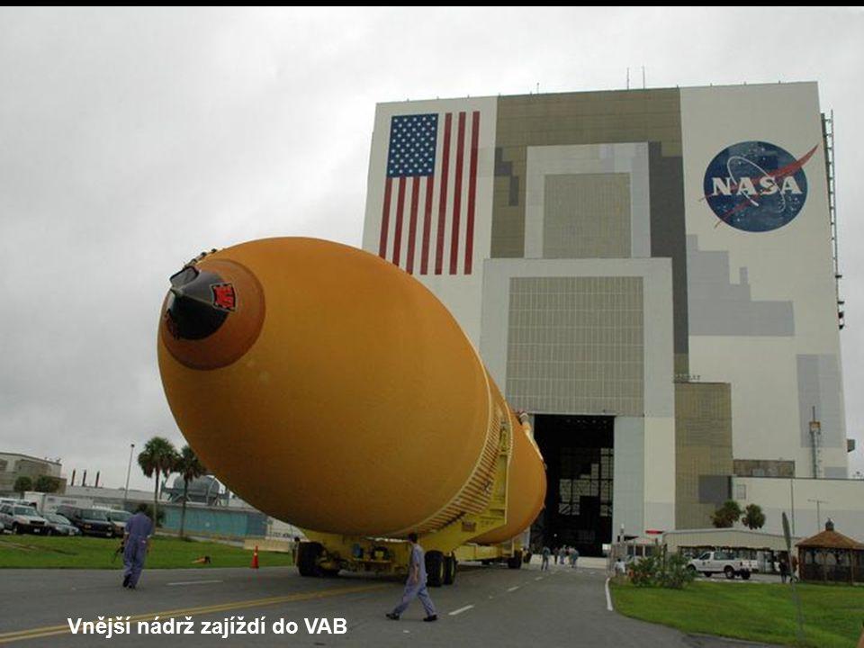 Vnější nádrž ve VAB