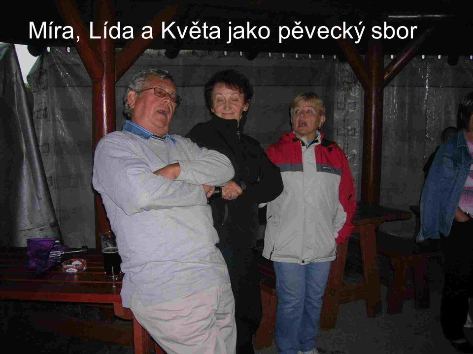 """Sobota večer byla věnována kultuře s hudbou """"Kontrabant CÚ Ústí / Orlicí"""