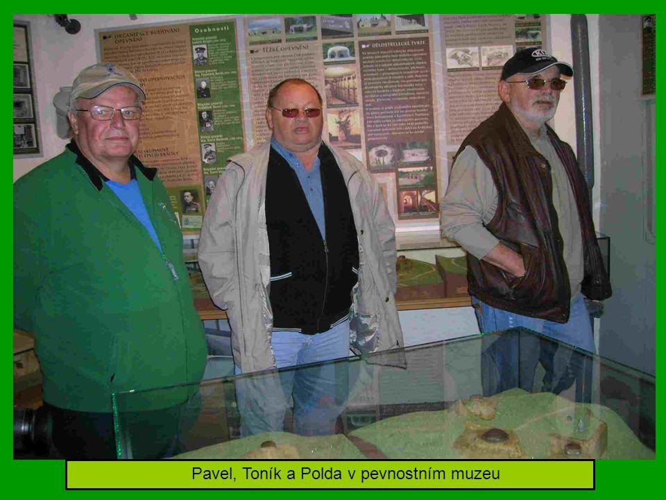 Pavel, Toník a Polda v pevnostním muzeu