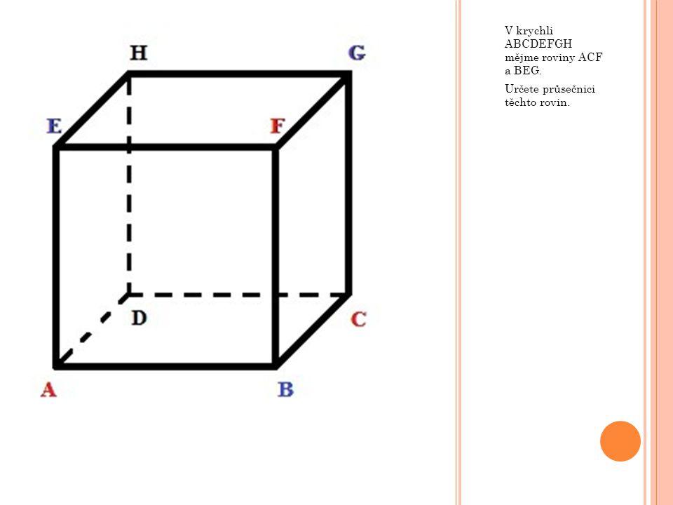 Poté doplníme části řezu, které jsou v rovnoběžných stěnách. Řez je hotov.