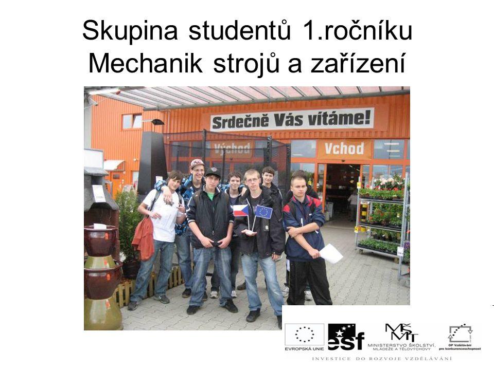 Skupina studentů 1.ročníku Mechanik strojů a zařízení