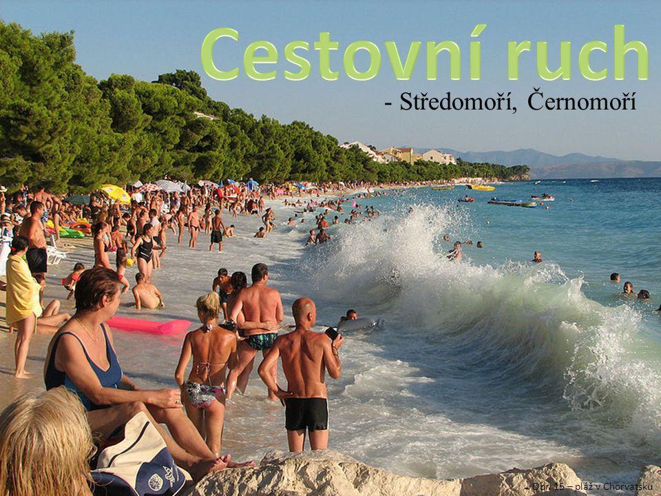 - Středomoří, Černomoří Obr. 15 – pláž v Chorvatsku