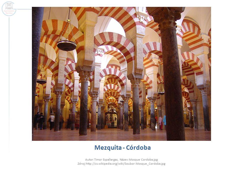 Interiér Mezquity, zdobení arabeskami (zákaz zobrazovat postavy) Autor:Hans Peter Schaefer:, Název:Cordoba moschee innen5 dome.jpg Zdroj:http://cs.wikipedia.org/wiki/Soubor:Cordoba_moschee_innen5_dome.jpg