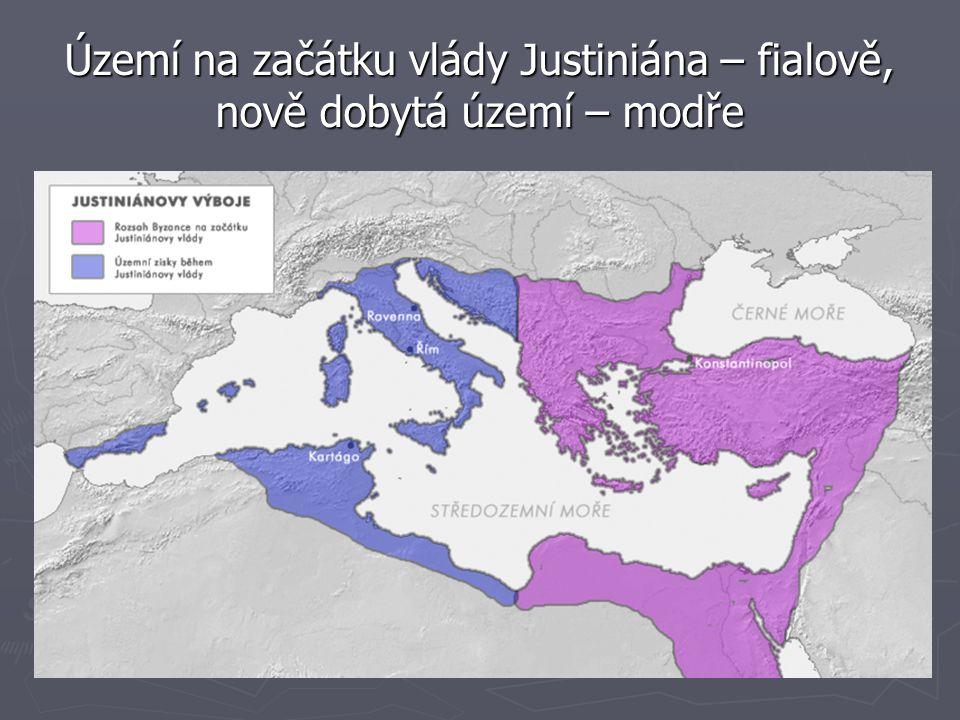 Území na začátku vlády Justiniána – fialově, nově dobytá území – modře