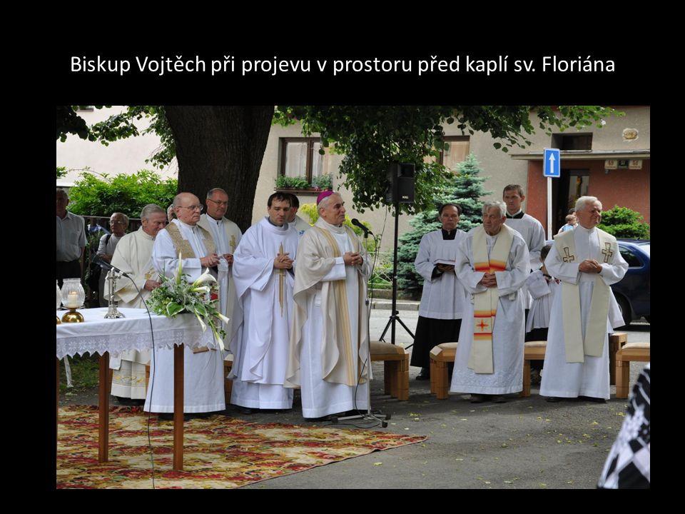 Starosta Městské části Brno- Bosonohy, RNDr. Anastazios Jiaxis vítá BISKUPA VOJTĚCHA v Bosonohách