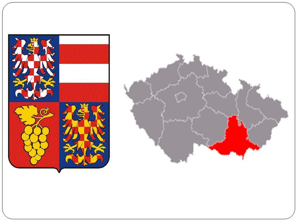 fyzicko-geografická charakteristika  Rozkládá se v jihovýchodní části ČR při hranicích s Rakouskem a Slovenskem  Na západě sousedí s Jihočeským krajem, na severozápadě s krajem Vysočina, na severu s Pardubickým krajem, na severovýchodě s Olomouckým krajem a na východě se Zlínským krajem  Rozloha:7 067 km²  Počet obyv.: 1 138 725  V kraji je celkem 670 obcí a 7 okresů (Brno-město,Brno- venkov,Blansko,Břeslav,Hodonín, Vyškov,Znojmo)