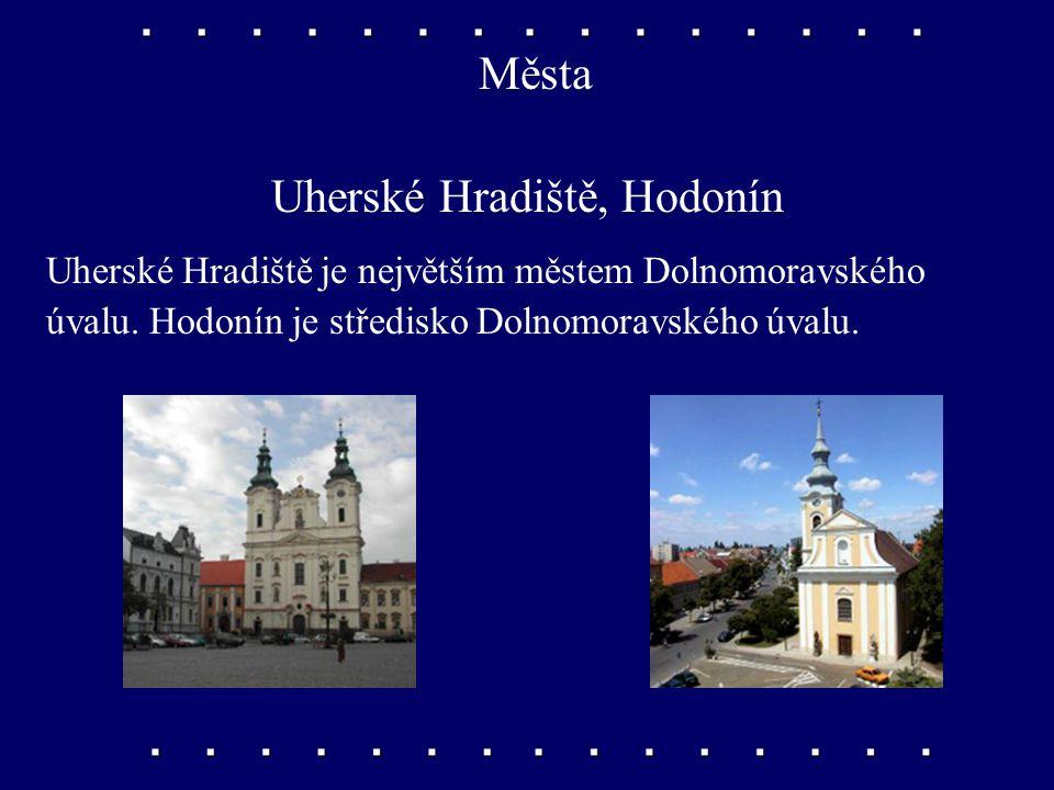 Města Znojmo, Břeclav V obou městech je potravinářský průmysl, zejména konzervárny. Břeclav je dopravním uzlem a střediskem chemického průmyslu.
