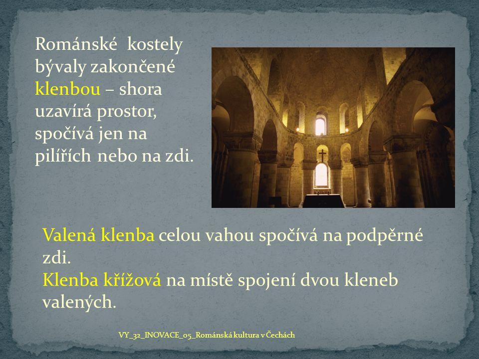 Stavby církevní zahrnovaly kostely a kláštery, panovníci a šlechta si budovali hrady, měšťané stavěli hradby s branami, domy a věže.