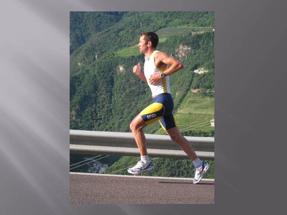  přes patu nejrozšířenější, vhodný pro běh po rovině, běh z kopce, kondiční běžce, dlouhé běhy, nejpřirozenější, vhodný pro canicross  přes špičku velká efektivita, zatížení lýtka a Achillovy šlachy,vhodný na krátké i dlouhé běhy, profesionální technika, náročnost, vhodný na canicross  na střed chodidla malá efektivita, chybí tlumené zhoupnutí, zdravotní závadnost, nevhodné pro canicross