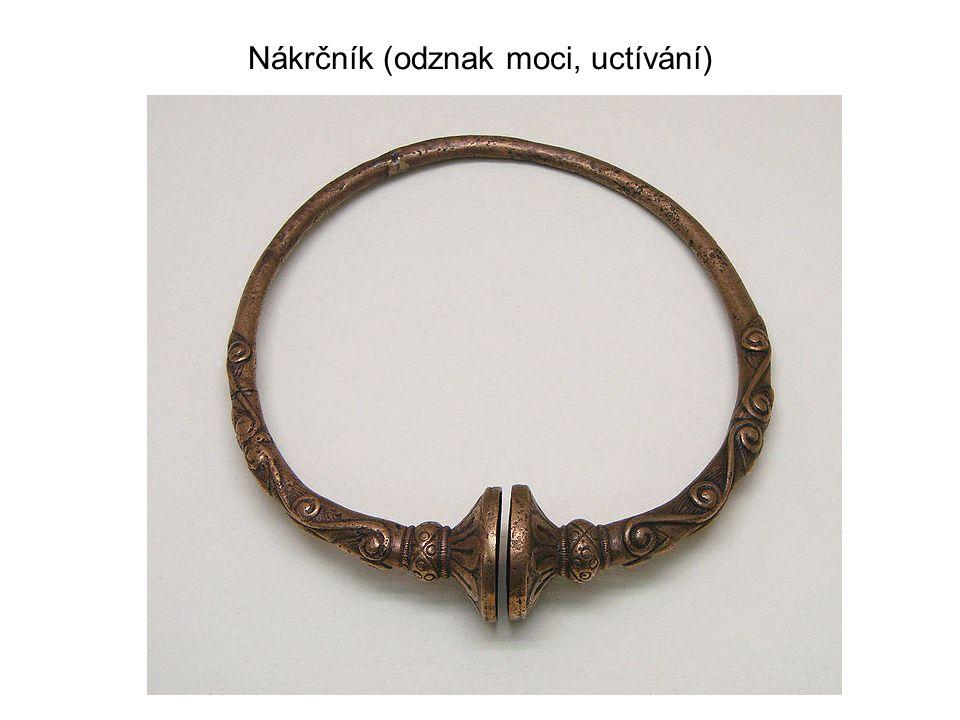 Nákrčník (odznak moci, uctívání)