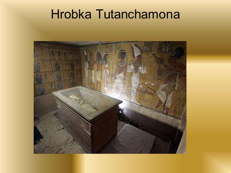 A něco málo o ní Faraon Tutanchamon je nejznámější panovník z celé egyptské historie.