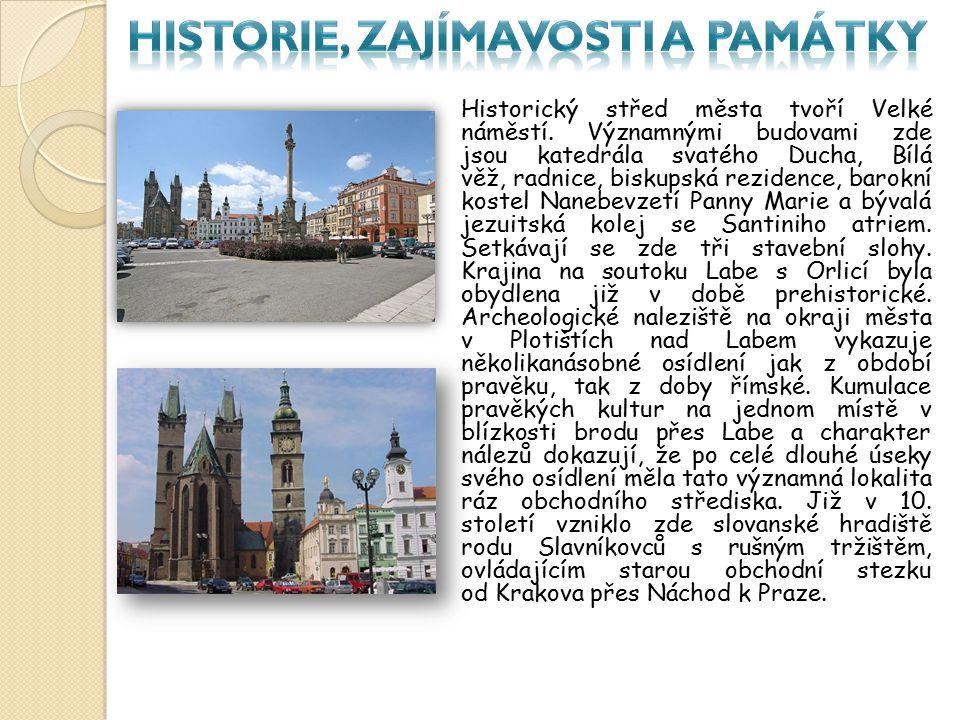 Historický střed města tvoří Velké náměstí. Významnými budovami zde jsou katedrála svatého Ducha, Bílá věž, radnice, biskupská rezidence, barokní kost