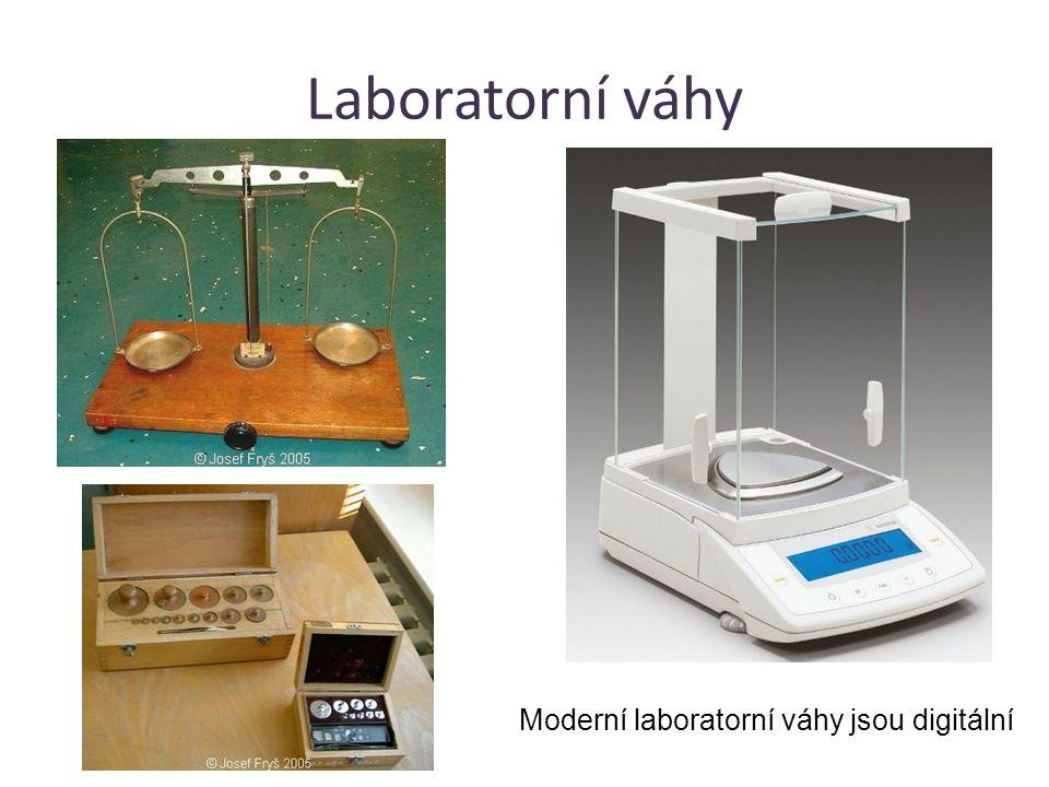 Moderní laboratorní váhy jsou digitální