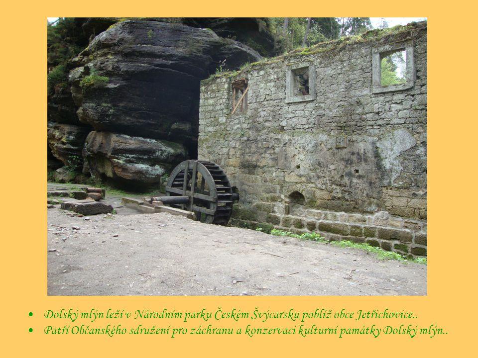 Dolský mlýn leží v Národním parku Českém Švýcarsku poblíž obce Jetřichovice..
