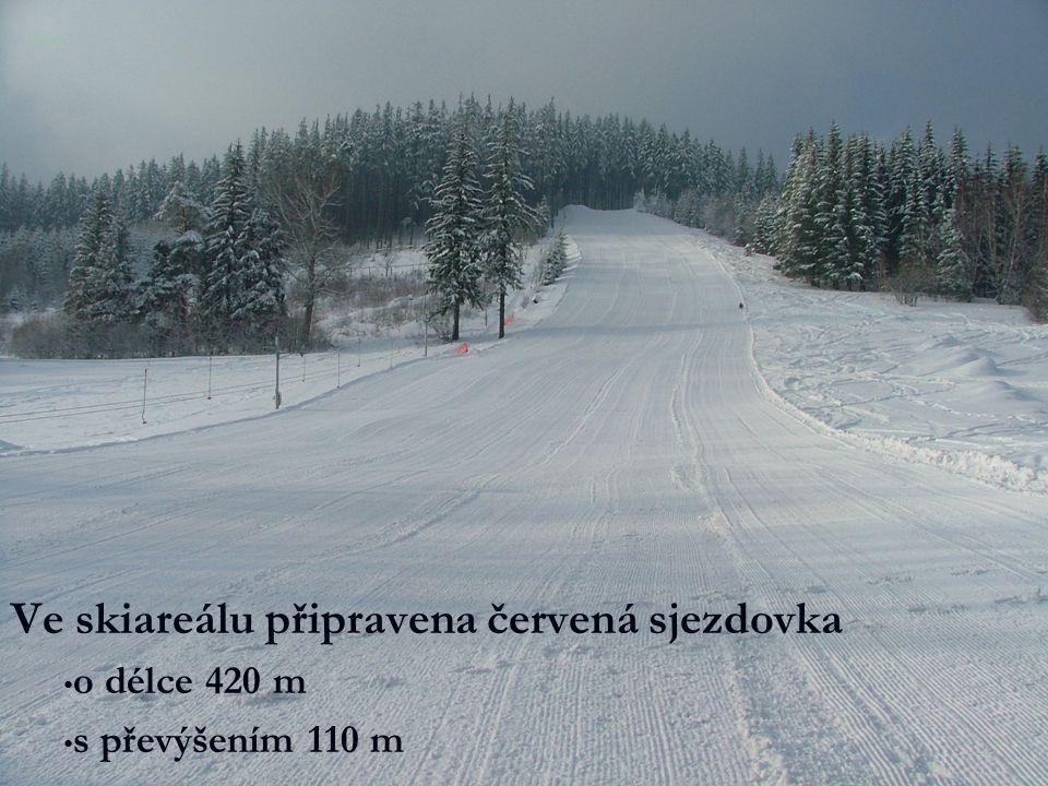 Ve skiareálu připravena červená sjezdovka o délce 420 m s převýšením 110 m