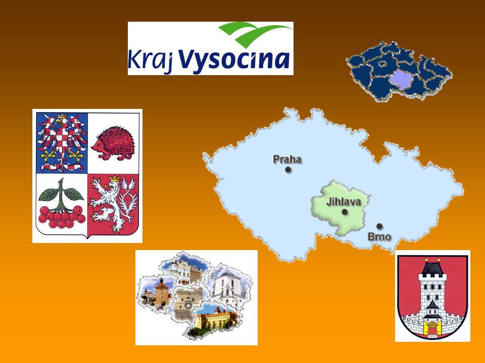 Chroustov místní část obce Bohdalov v kraji Vysočina, v jižní části okresu Žďár nad Sázavou na hřebení Arnoleckých hor pod nejvyšším vrcholem Havlinou (706 m.