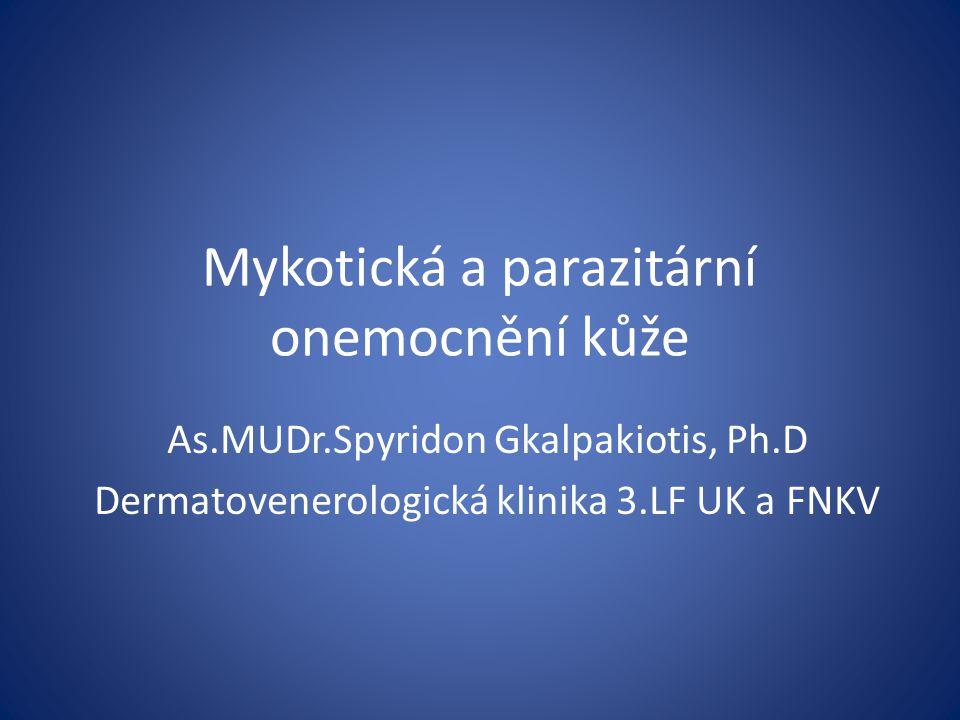 Tinea pedis Diagnóza: klinický obraz, mykologické vyšetření Dif.dg: u hyperkeratotické formy – atopická dermatitida, palmoplantární psoriáza, hyperkeratotický ekzém u dishydrotické formy – atopický, kontaktní, dyhidrotický ekzém