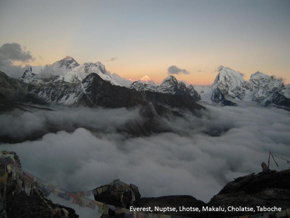 Everest, Nuptse, Lhotse, Makalu, Cholatse, Taboche