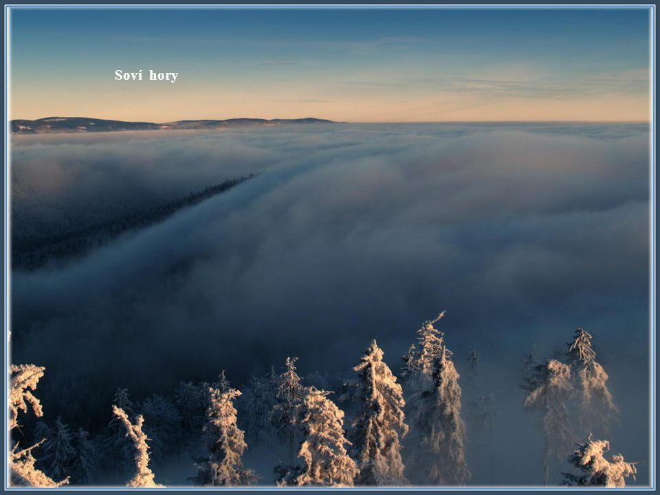 Rogowiec 855 m. Velká Sova 1015 m. Radostno (osada) Glušica