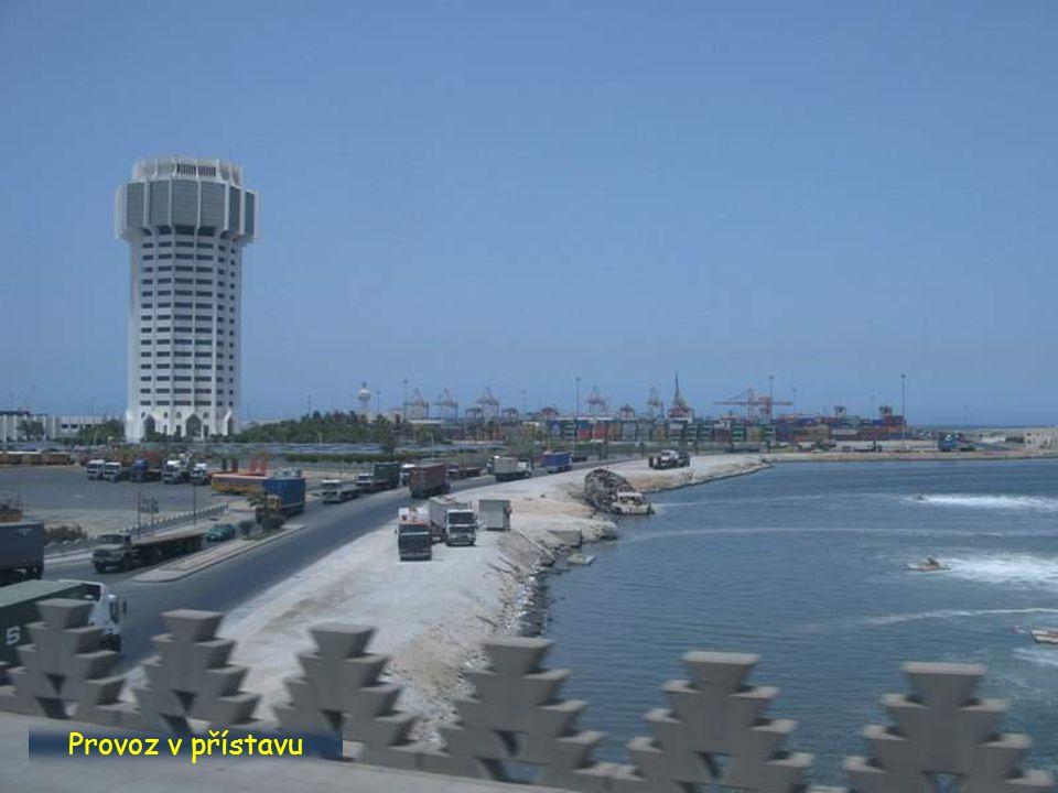 Provoz v přístavu