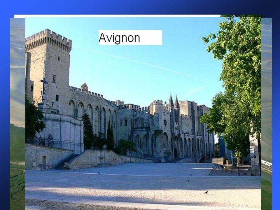 Významná místa a města Zámky na Loiře Avignon: papežský palác Jeskyně Lascaux: Skrývá nejvelkolepější ukázky prehistorického umění na světě. Carcasson