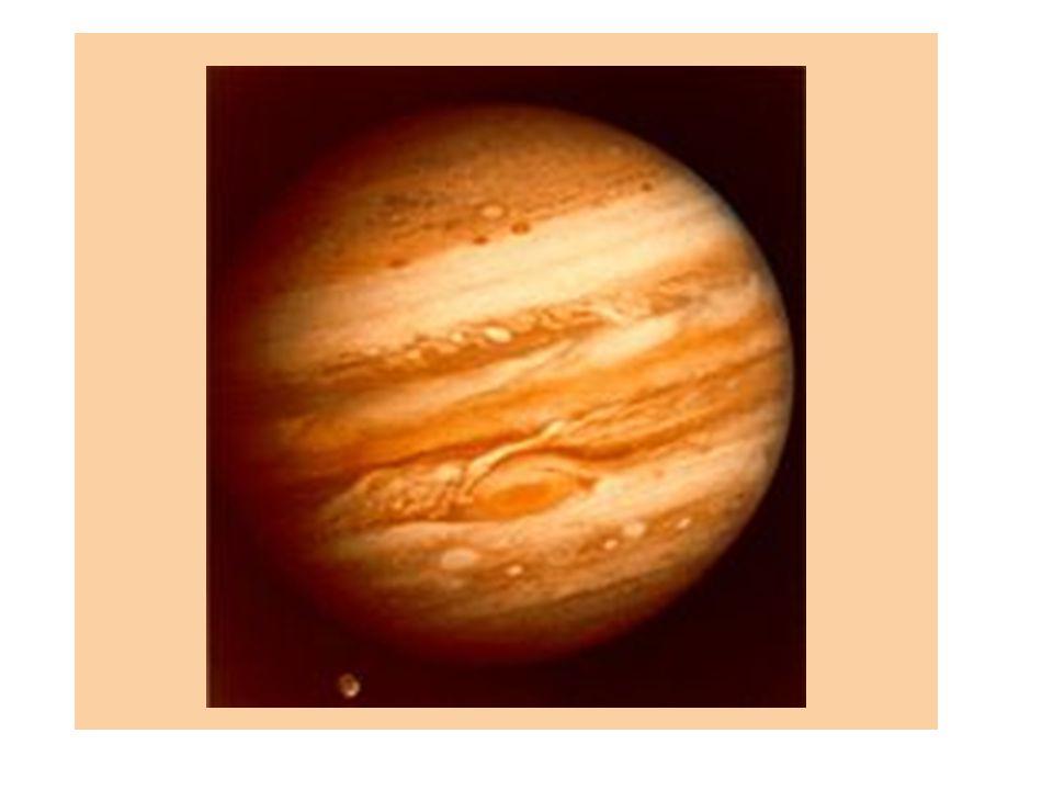 Europa Jasný objekt, dobře odráží světlo Složení: silikáty + voda Geologicky aktivní – zdrojem slapové síly Kryovulkanismus (na povrchu zlomy a brázdy) Možnost života (přítomnost vody, ochrana před uv zářením, teplo od vulkanismu) Složení: pevné jádro (NiFe), skalnatá vrstva (plášť) vrstva tekuté vody (100km) povrch – 10 km led