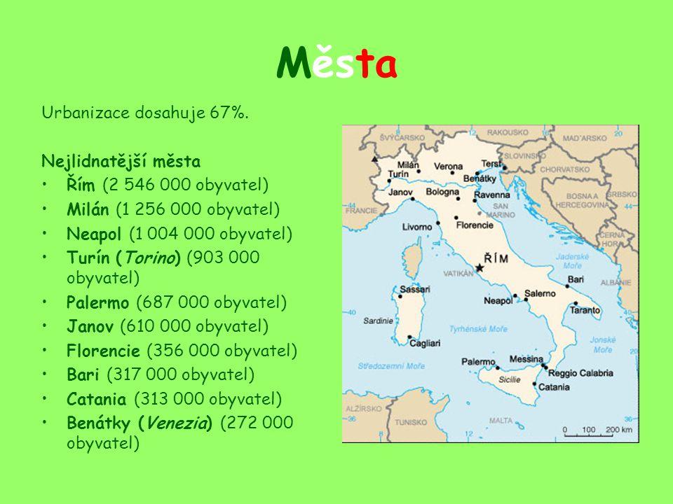 Politika Území státu se člení na 20 krajů (regione) a ty dále na 109 okresů- provincií a dále na obce, které jsou seskupeny v oblasti pod jednu větší zvanou comuna.