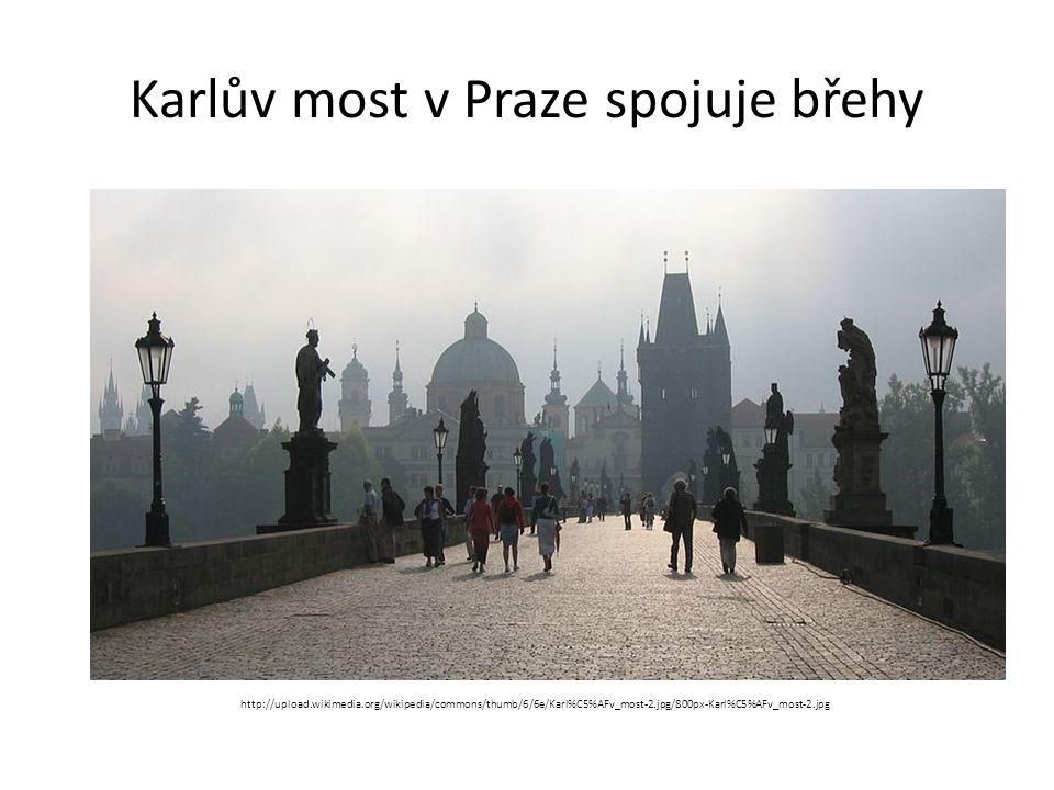 Mimo hlavní město nalezneme orloj http://upload.wikimedia.org/wikipedia/commons/thumb/9/9a/Olomouc-Horn%C3%AD_n%C3%A1m%C4%9Bst%C3%AD.JPG/800px-Olomouc-Horn%C3%AD_n%C3%A1m%C4%9Bst%C3%AD.JPG