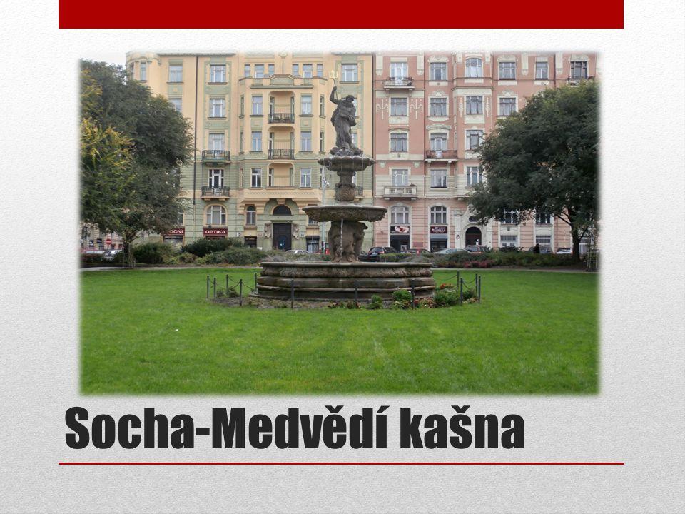 Socha-Medvědí kašna