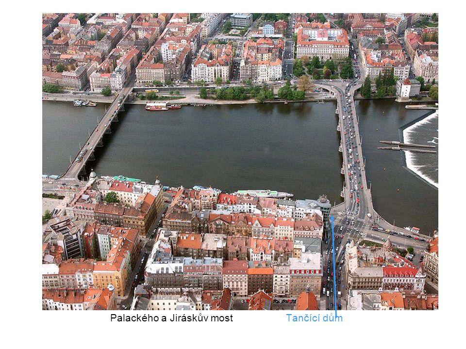 Palackého most a náměstí