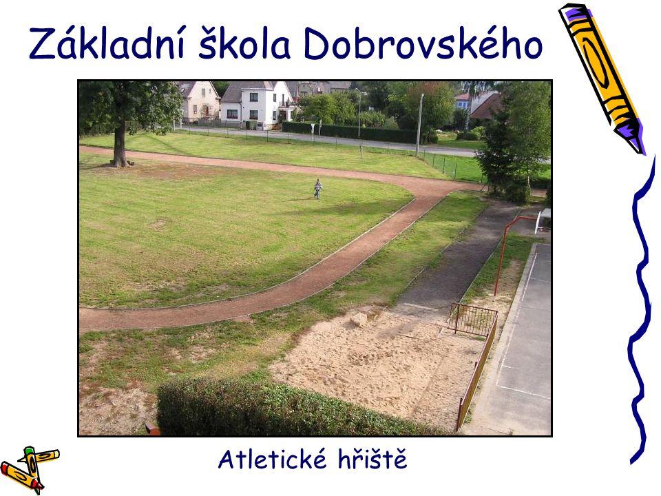 Základní škola Dobrovského Atletické hřiště