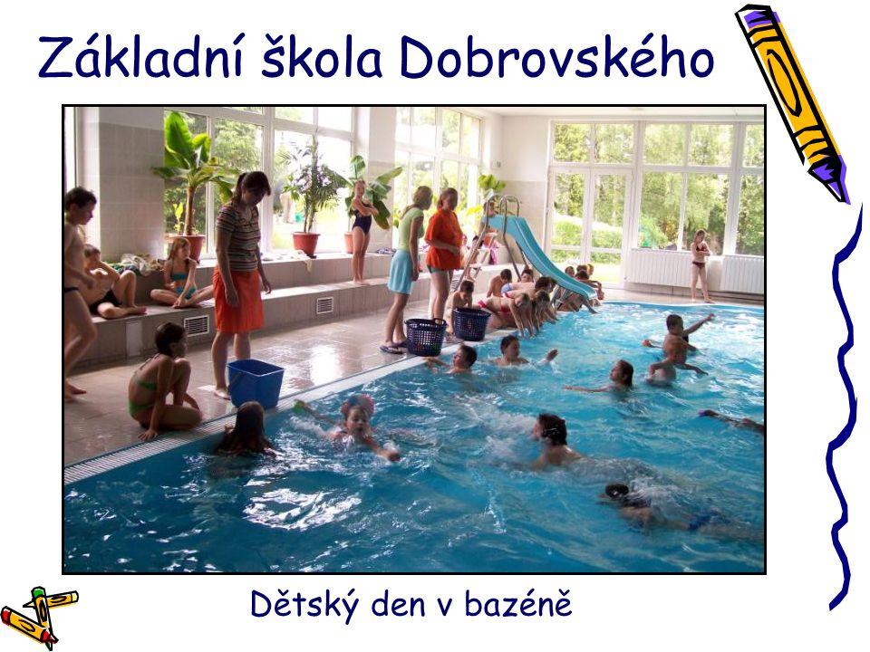 Základní škola Dobrovského Dětský den v bazéně
