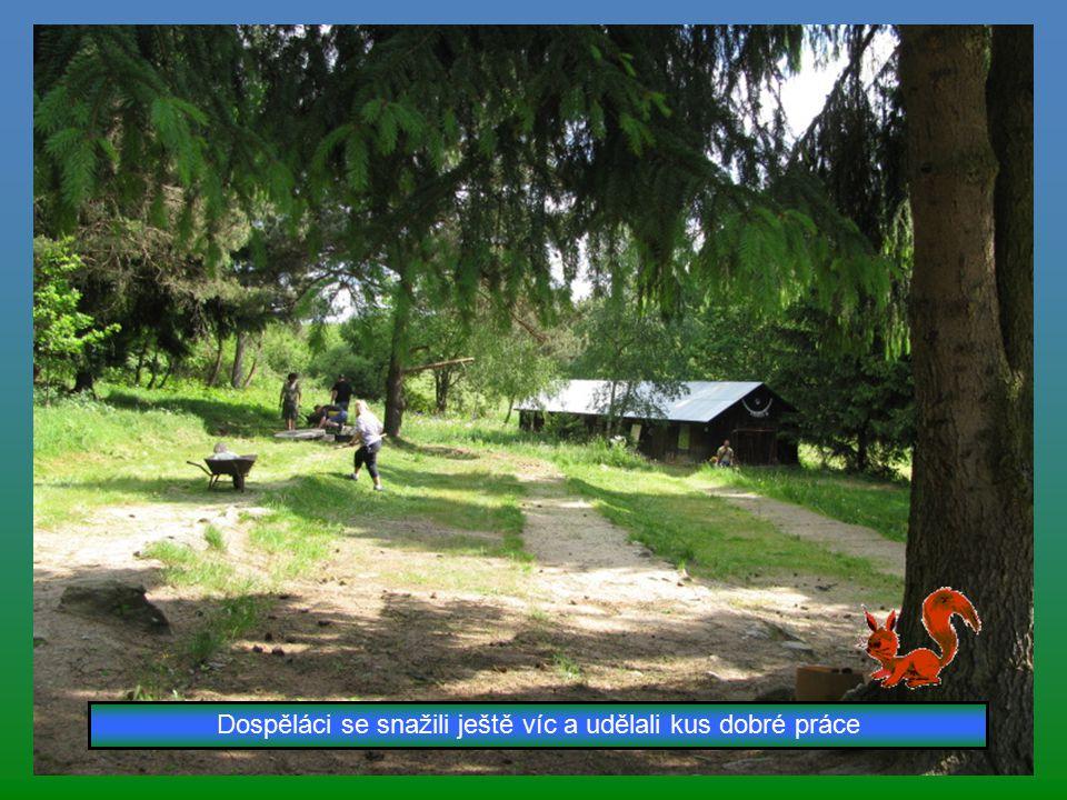 Děti také pomáhaly uklízet tábořiště