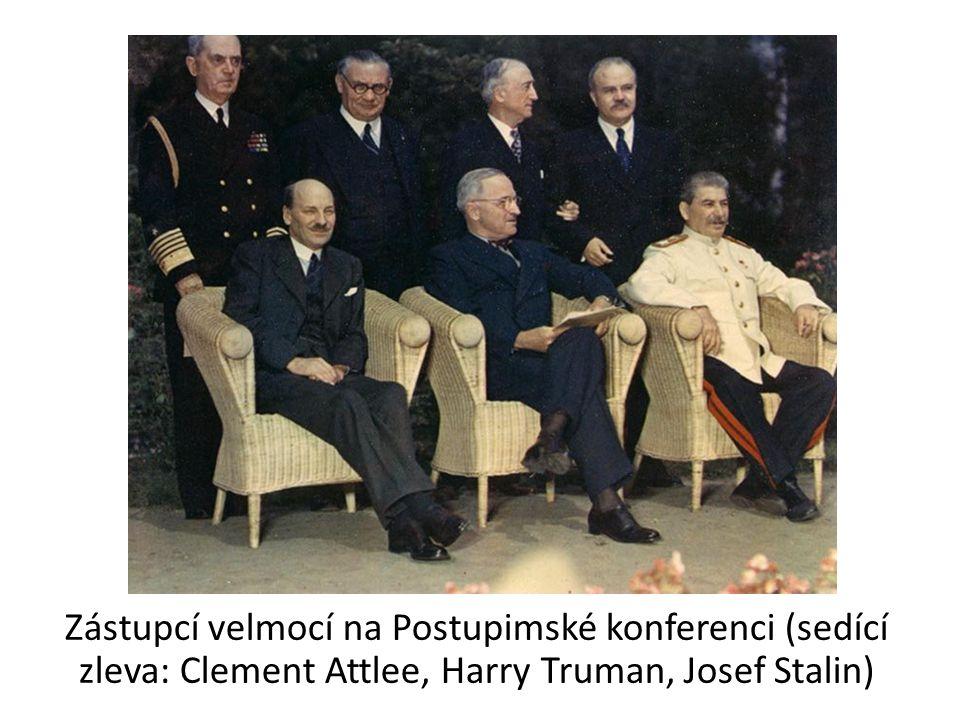 Zástupcí velmocí na Postupimské konferenci (sedící zleva: Clement Attlee, Harry Truman, Josef Stalin)