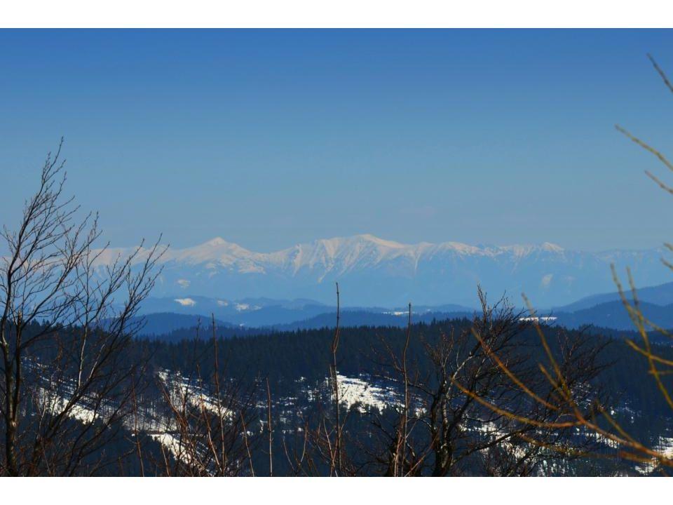 """Jako """"bonus na závěr lyžařské sezóny pohled na Roháče"""