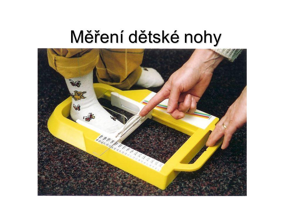 Měření dětské nohy