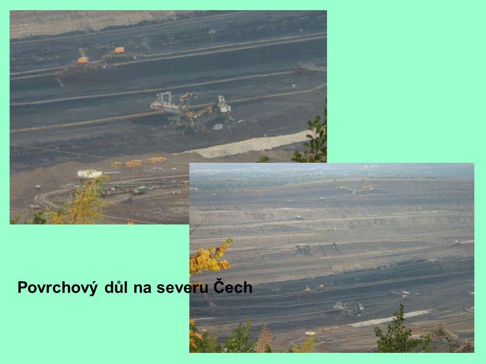 Povrchový důl na severu Čech