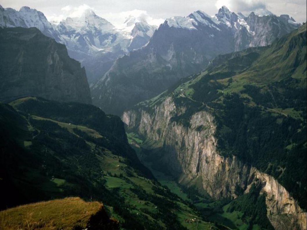 Umístění Švýcarska v Evropě Švýcarsko sousedí ze severu s Německem, z východu s Rakouskem a Lichtenštejnskem, z jihu s Itálií a ze západu s Francií.