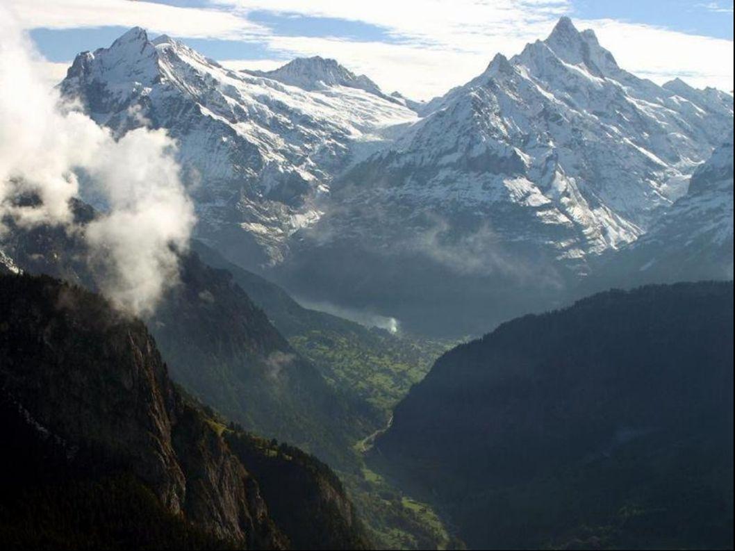 Švýcarsko je federace (formálně stále konfederace) 26 spolkových států.