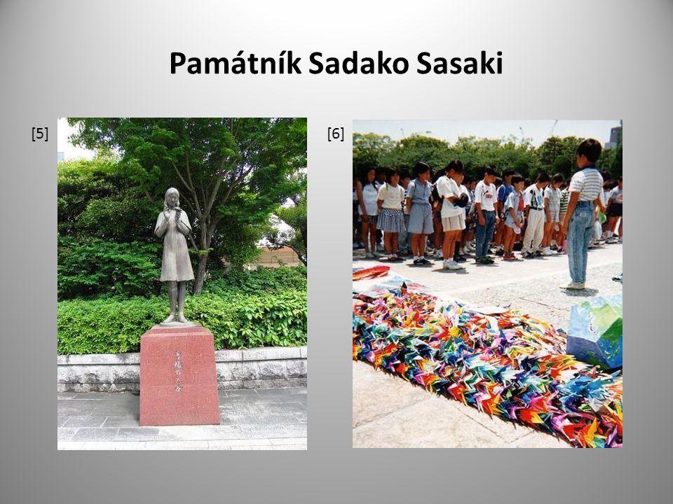 Nagasaki 9.srpna roku 1945 v 11.01 byla svržena atomová bomba Fat Man na Nagasaki výběr cíle : byly vybrány dva strategické cíle – Kokura a Nagasaki, nad Kokurou velká oblačnost, proto vybráno město Nagasaki jeden z největších námořních přístavů v jižním Japonsku průmyslové závody, vyrábějící vojenskou výzbroj, velké loděnice a doky Technické parametry bomby : Bomba : Fat Man - Tlustý kluk/Tlusťoch, pravděpodobně pojmenováno po Winstonovi Churchillovi Čas: 11:01 4,5 tuny, Plutonium 239, síla 22kt TNT Zabito: 40 000 - 75 000 obětí (na místě), celkový počet obětí do konce 1945 až 80 000 Letoun: americký Boeing B-29 Bockstar, posádka pod vedením pilota Charlese W.