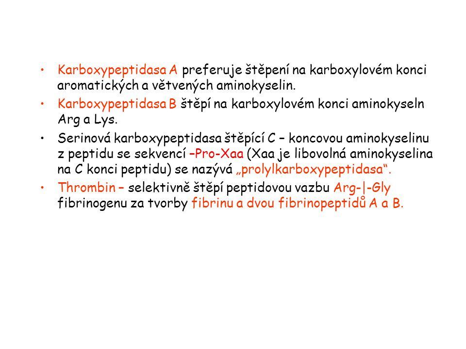 Karboxypeptidasa A preferuje štěpení na karboxylovém konci aromatických a větvených aminokyselin. Karboxypeptidasa B štěpí na karboxylovém konci amino