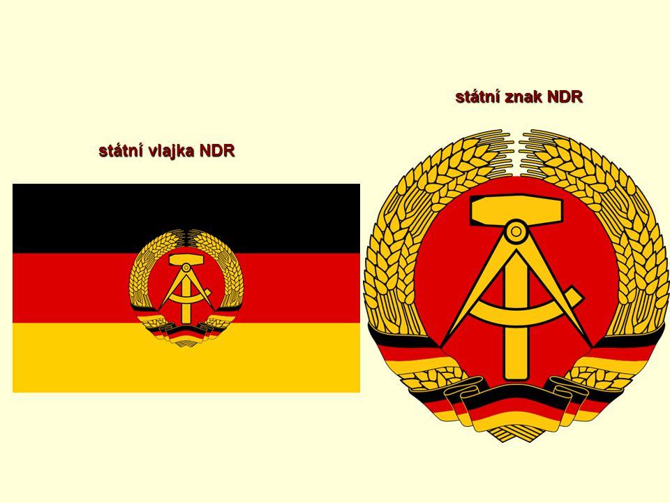 státní vlajka NDR státní znak NDR