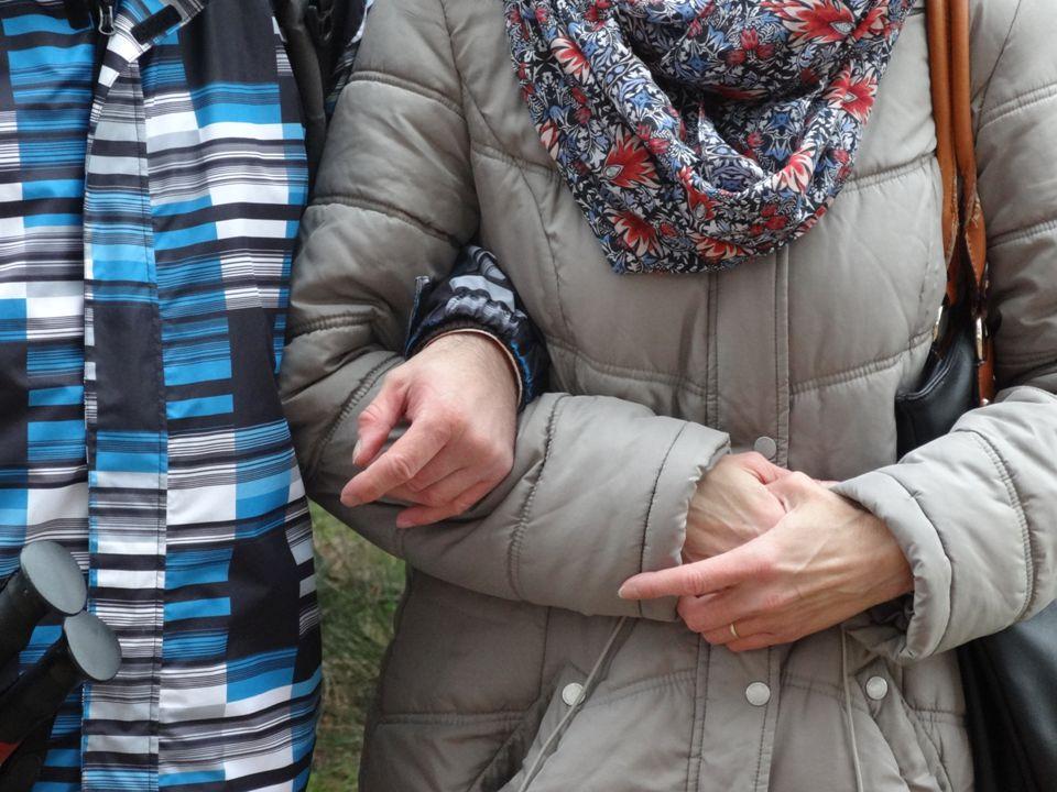  osobní asistentka Pavlína zajistila na překonání úzkostných stavů z chůze cvičení JÓGY a za asistenky Hany přibyla CANISTERAPIE