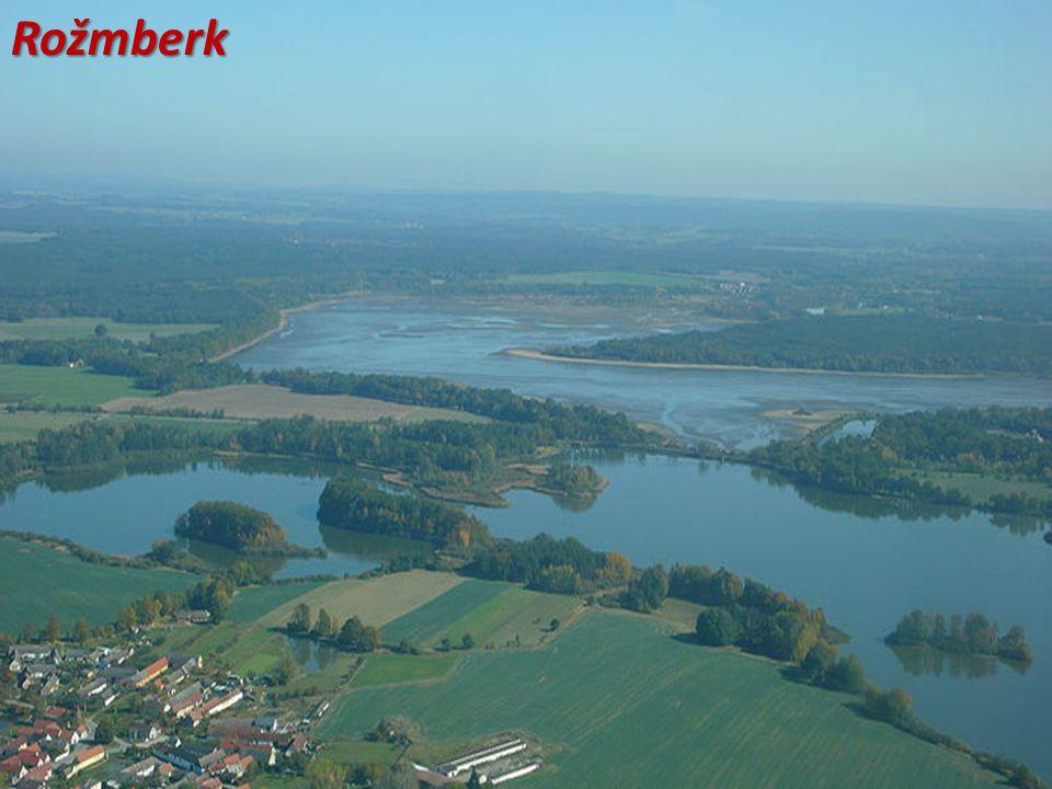 Rybník Rožmberk, pohled od výpusti Adolfka