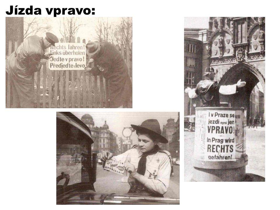 Jízda vpravo: Zavedení jízdy vpravo přes všechny oznamovací kampaně způsobilo nemálo dopravních nehod. Foto: Heyduk M., Sýs K.: Protektorát ve fotogra