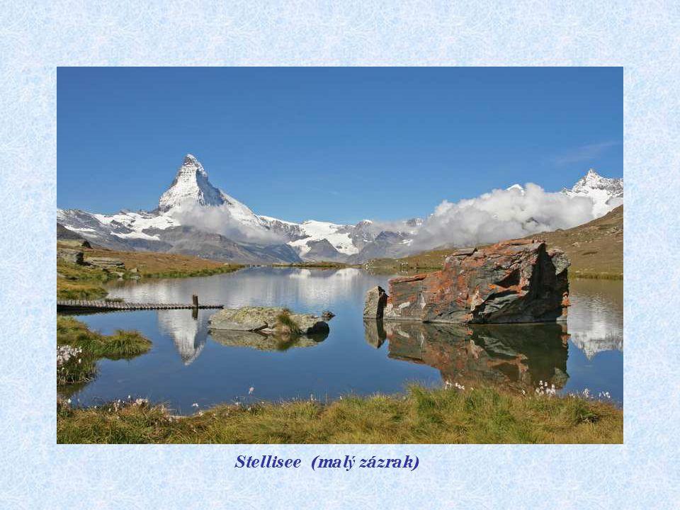 Chata Fluhlalp 2616 m. Stellisee 2583 m.